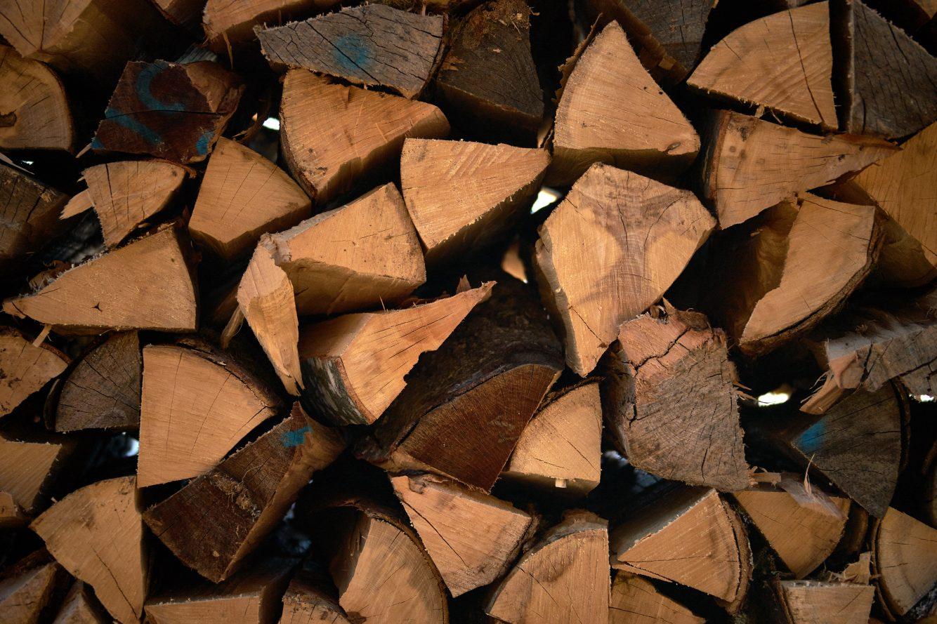 biomass heating system Glenhaze Photo by Wolfgang Hasselmann on Unsplash